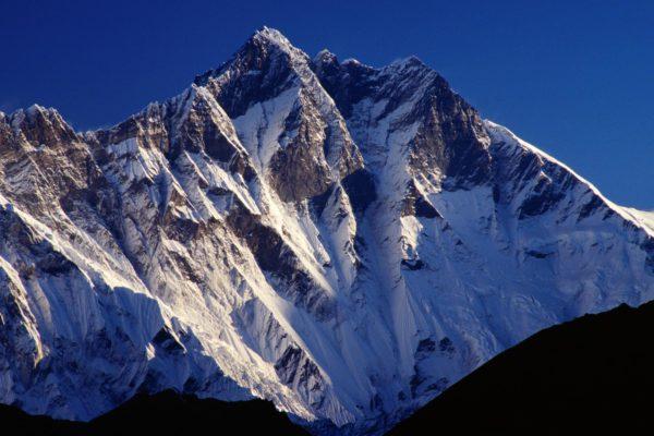 снежные горы в Китае