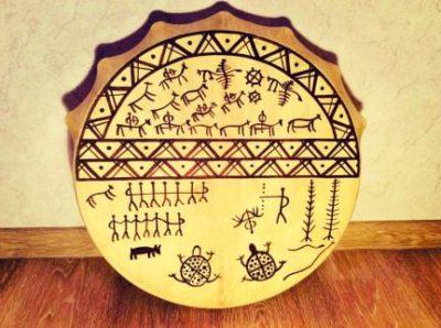 Иллюстрация шаманского бубна из Хакасии