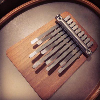 Изображение калимбы - африканского инструмента